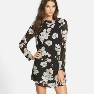 ASTR Floral Print Long Sleeve Dress
